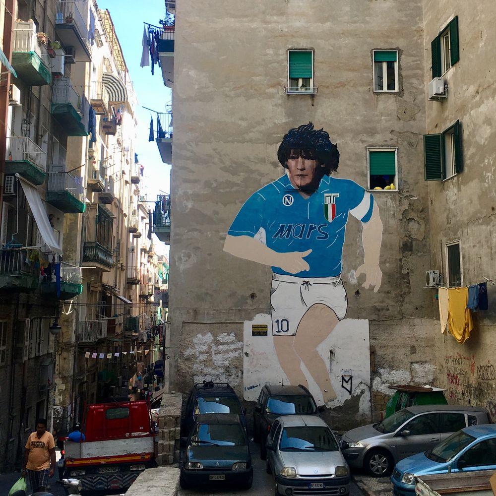 maradona muurschildering napels