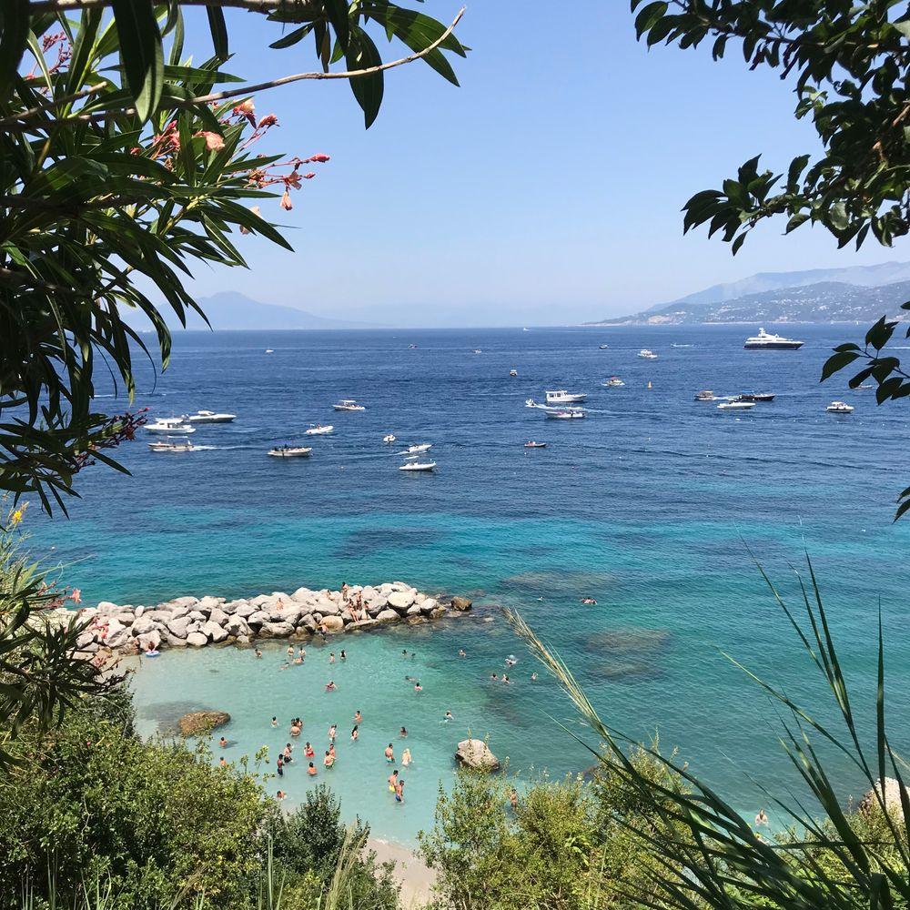 strand capri