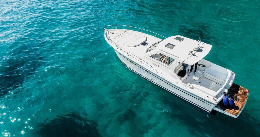 De boot voor de boottocht naar Capri