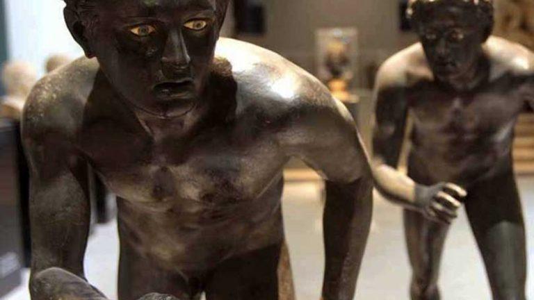 pompeii standbeelden napels