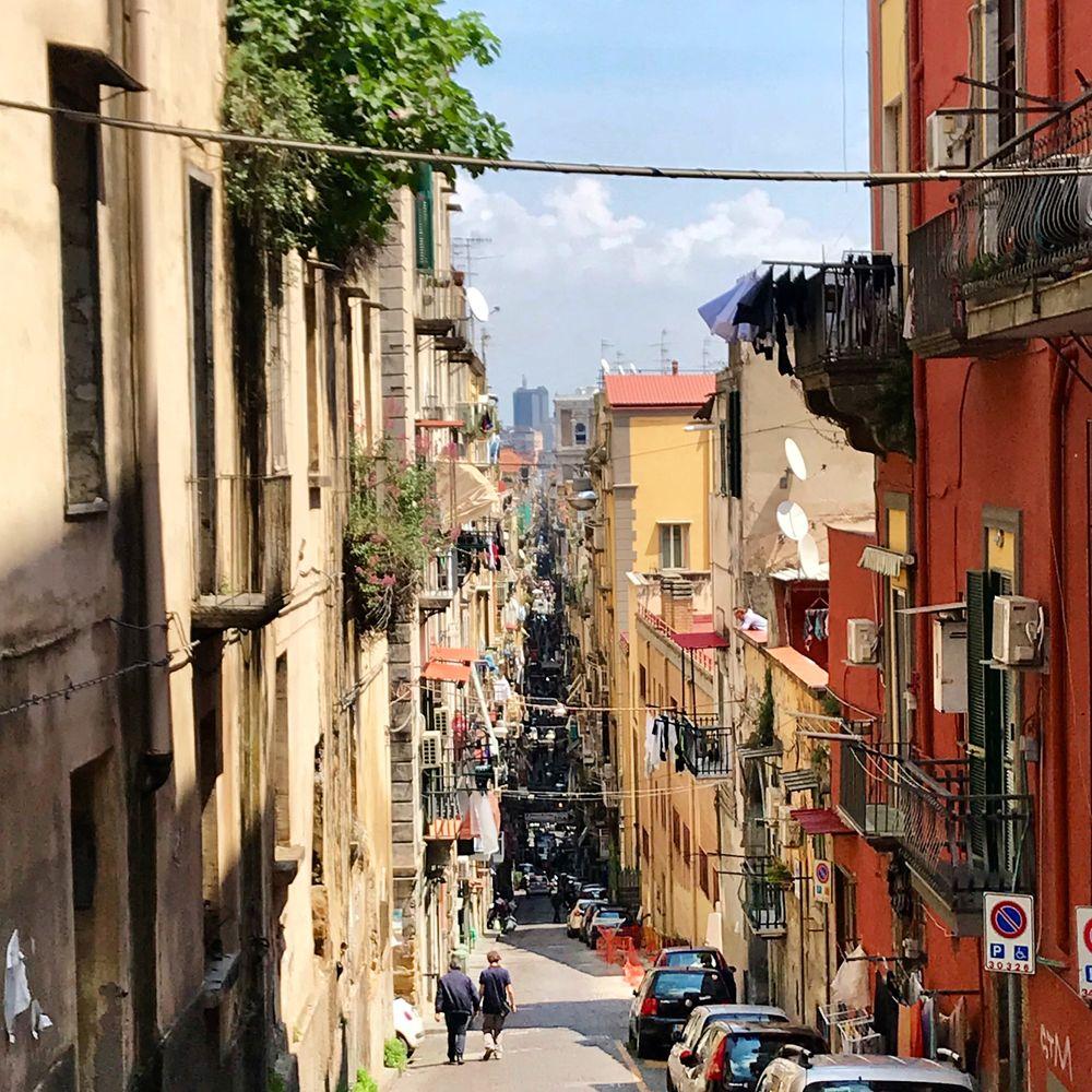 spaccanapoli een straat in napels
